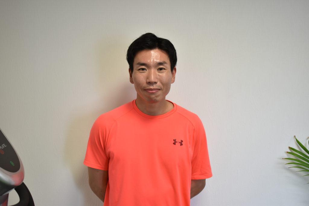 ホグトレ西新ゴルフセンター店トレーナーの石原さんの写真